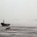 海边雾、船