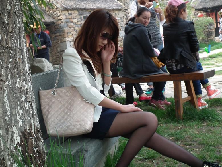 模特小姐进入竹泉村大显身手