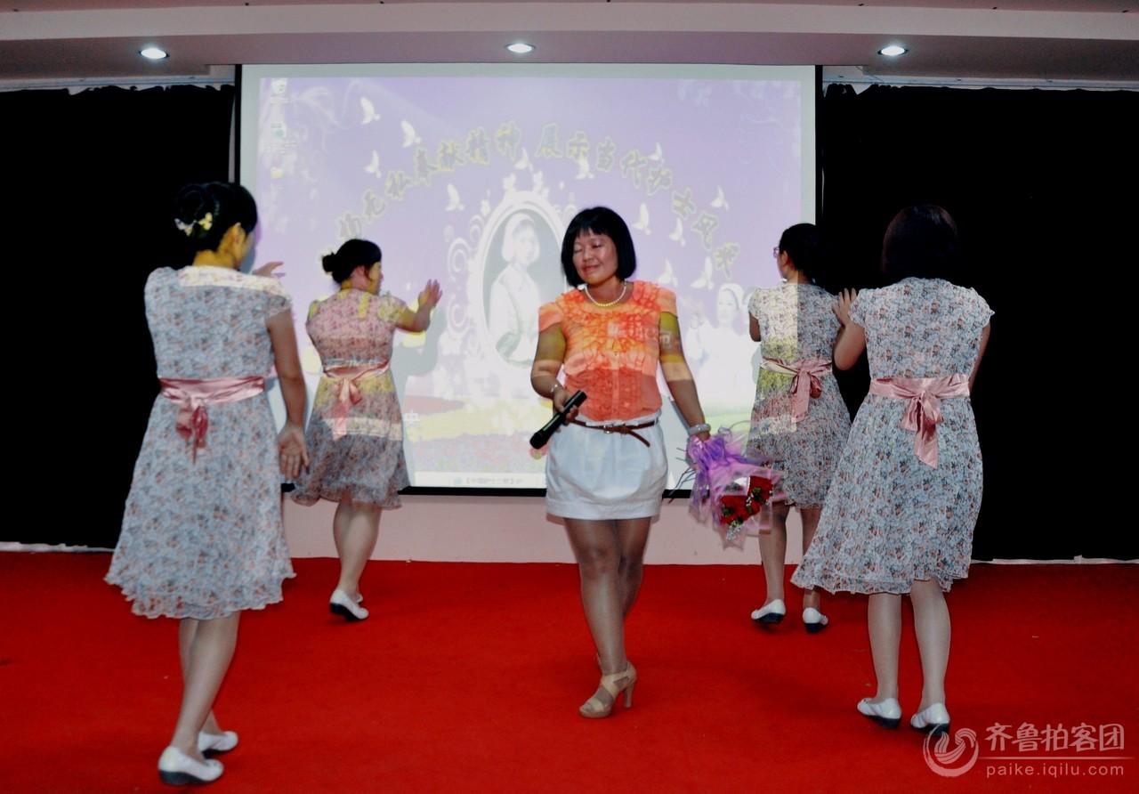 护士节舞蹈在线看 日本性感美女小护士视频