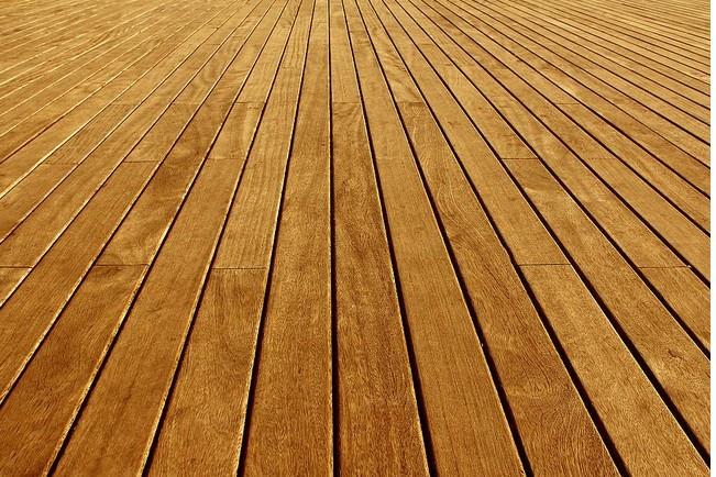 木地板  随着现在地板业的不断扩展,各种各样(彩蝶地板,宏耐地板,欧人