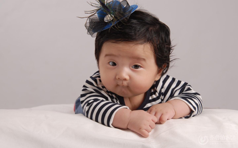 许瑾萱百天照.可爱的宝宝