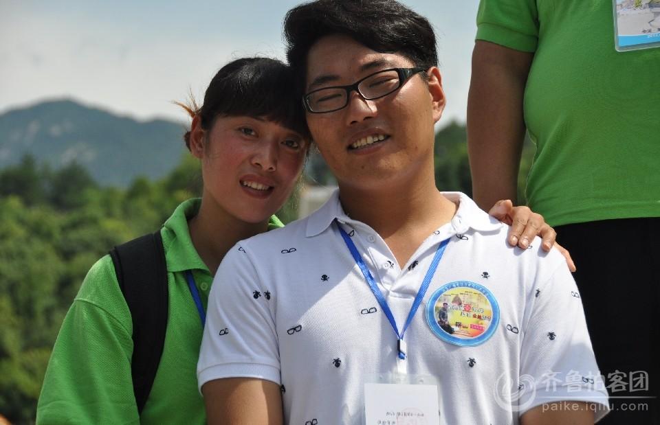 陈州的妻子将全程陪同陈州一起登山 真心羡慕他们的爱情.jpg