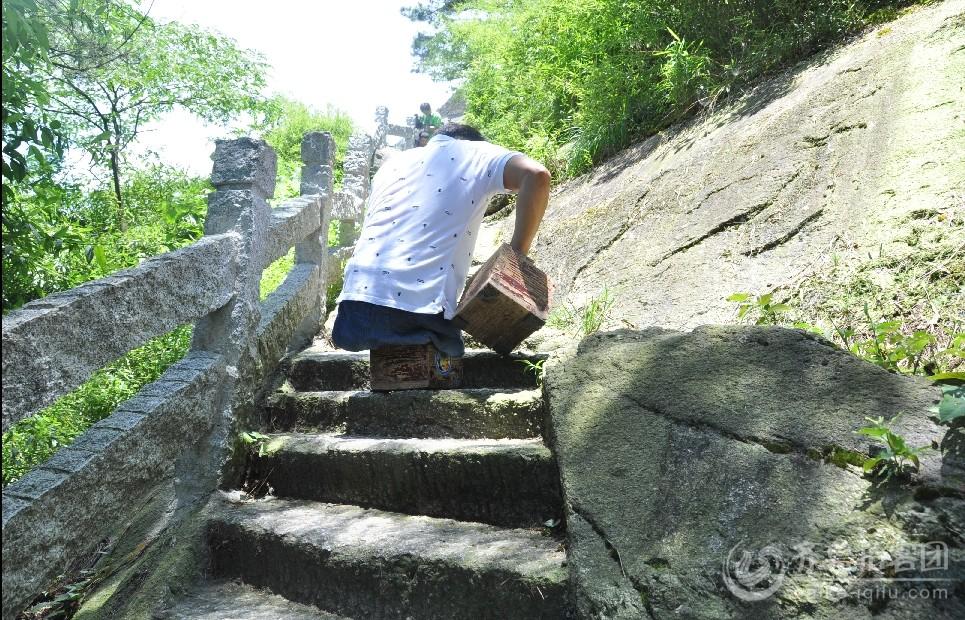 陈州一直在艰难的前行 也许大家觉得这条路已经很窄了  但这真的不是最难走的.jpg.jpg