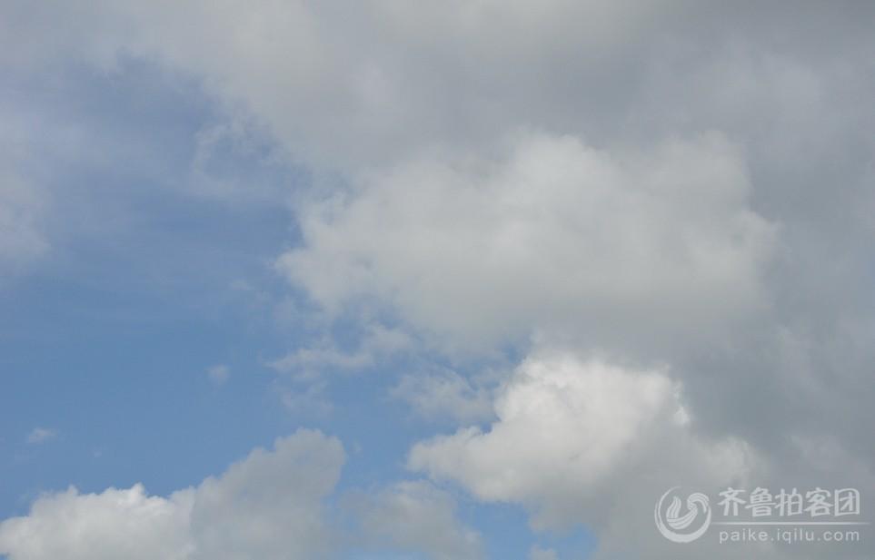 衡山的天空非常漂亮 蓝天白云 济南的朋友们 是有多久没见过了啊.jpg.jpg