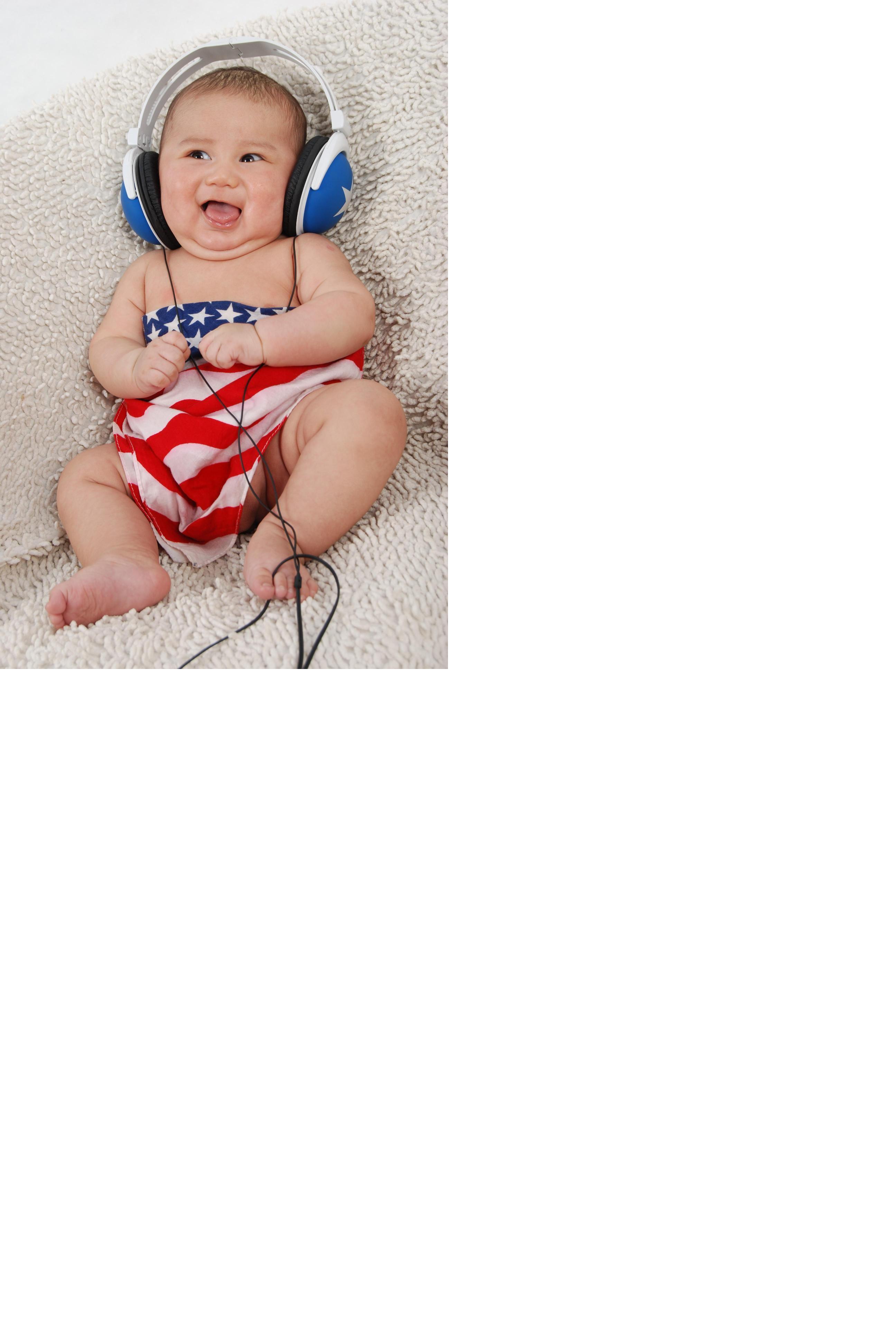 宝宝百天照片,希望宝宝永远笑容灿烂