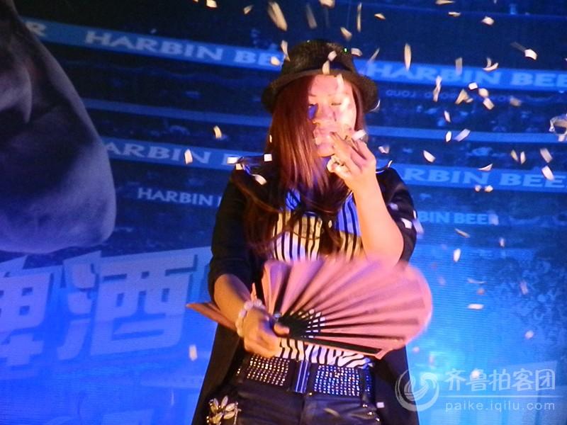 美女魔术师 潍坊拍客