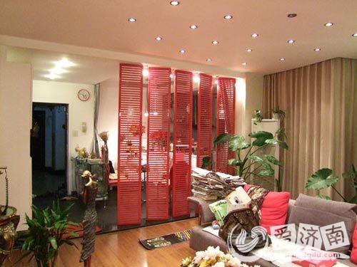 的隔断效果图让空间轻松分区,客厅卧室隔断装修客厅卧室隔