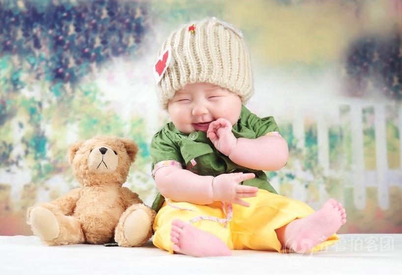 小孩笑脸图片可爱萌