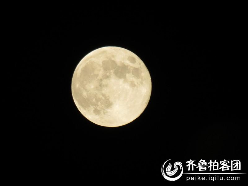 刚刚拍的中秋节的月亮