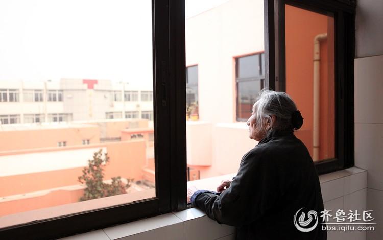 生活孤独_踽踽独行64孤独的背影生活大补帖呼啦圈台