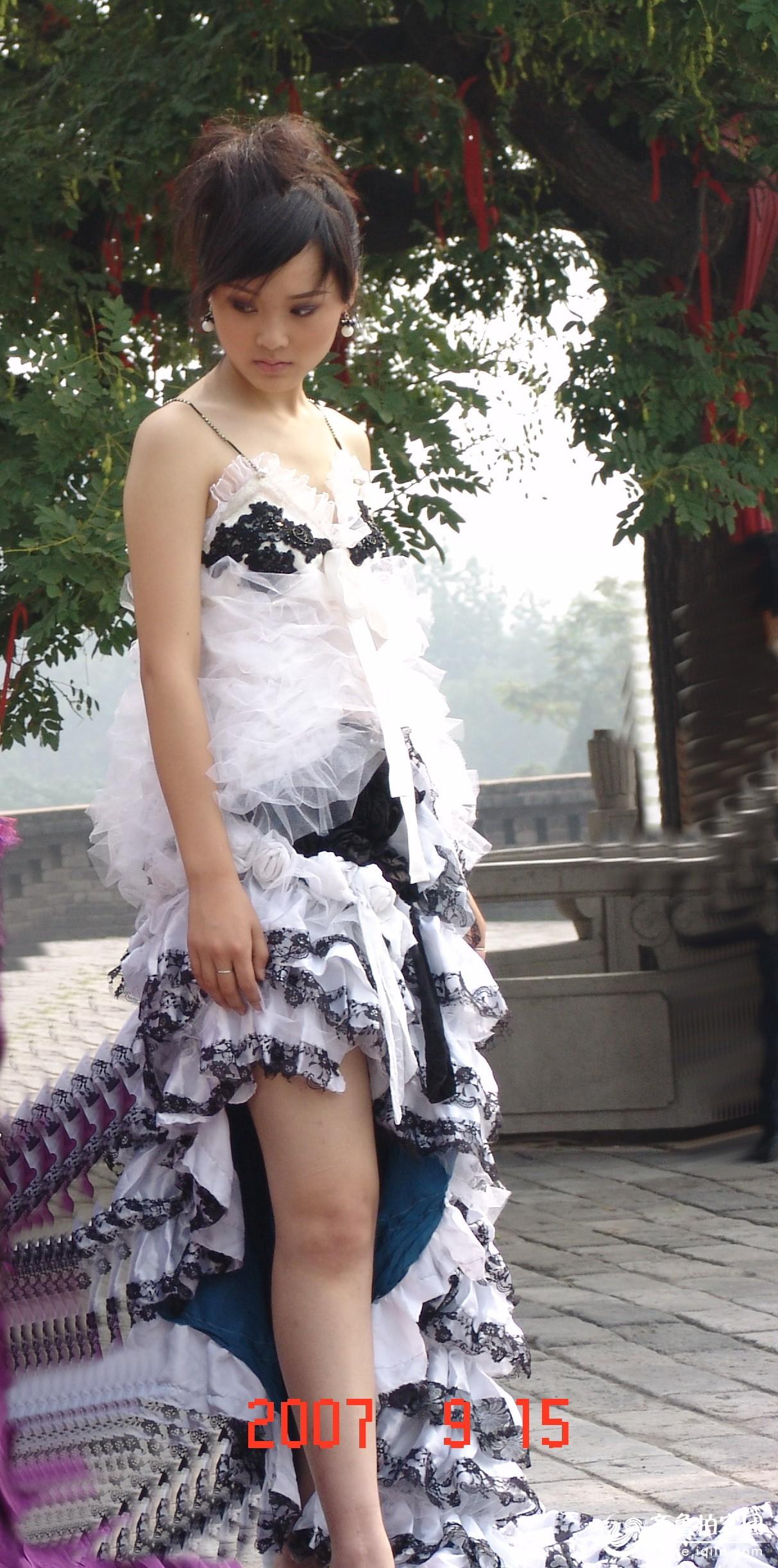 邯郸丛台公园的美女模特