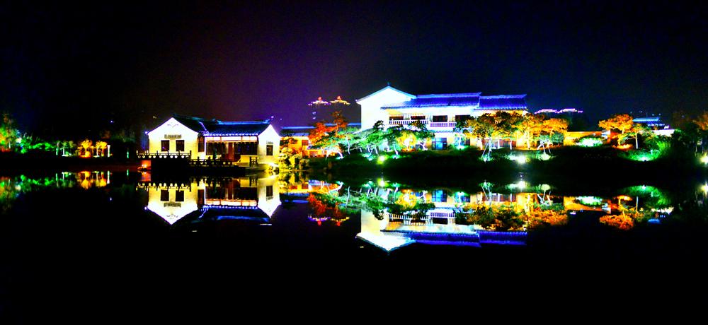 《生态家园》2012-7-11拍摄于东营护城河