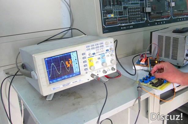 """器""""主要由rc正弦波振荡集成电路"""