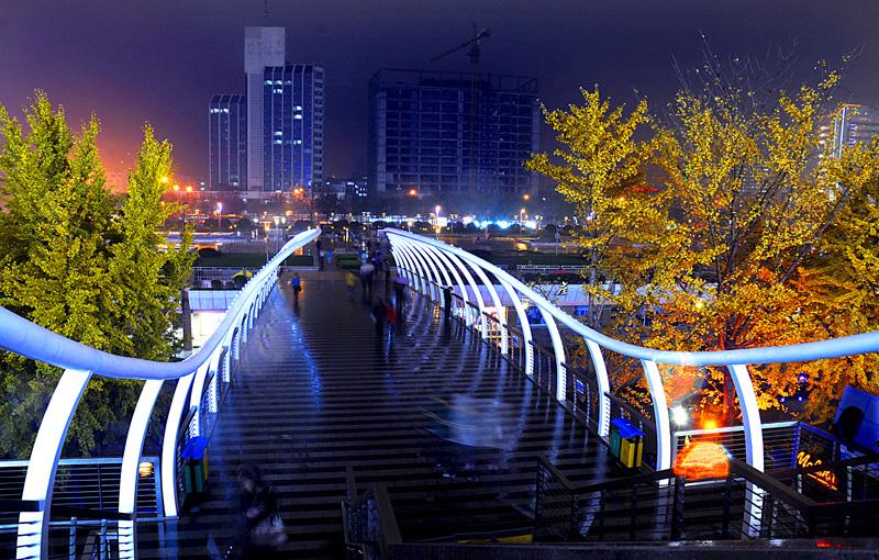 我的泉城广场4.jpg