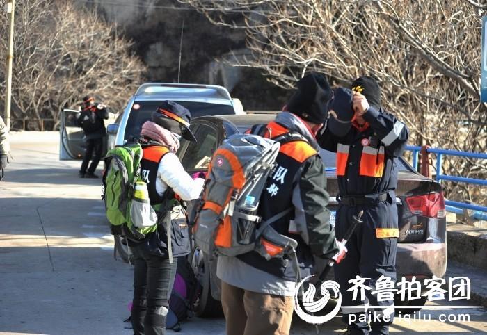 青岛救援队登崂山救助驴友