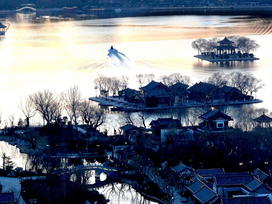 墨色大明湖