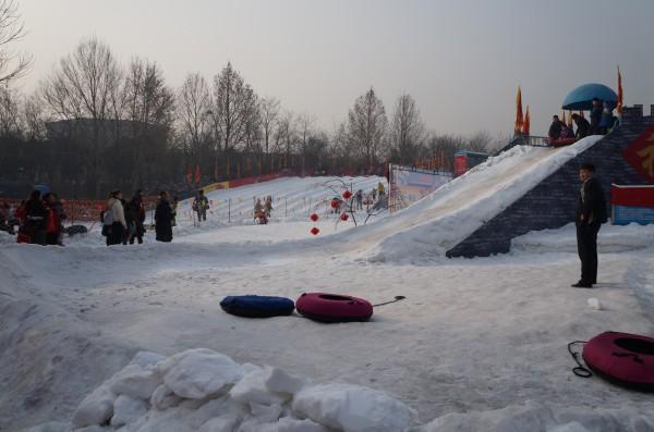泉城公园冰雪节,滑雪,冰雕