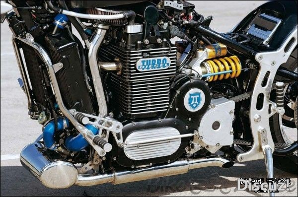 外网的摩托柴油发动机