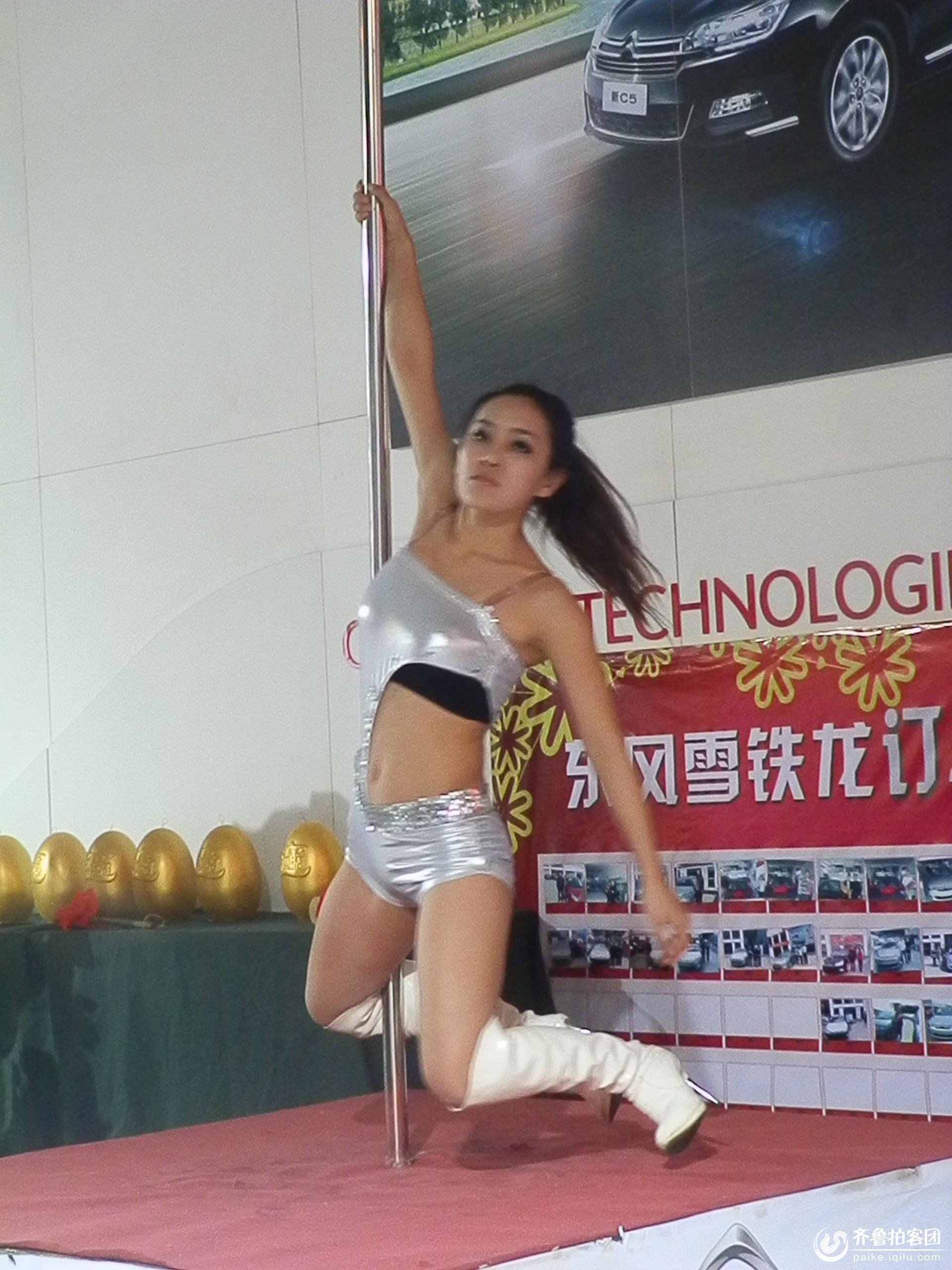 美女钢管舞 潍坊拍客