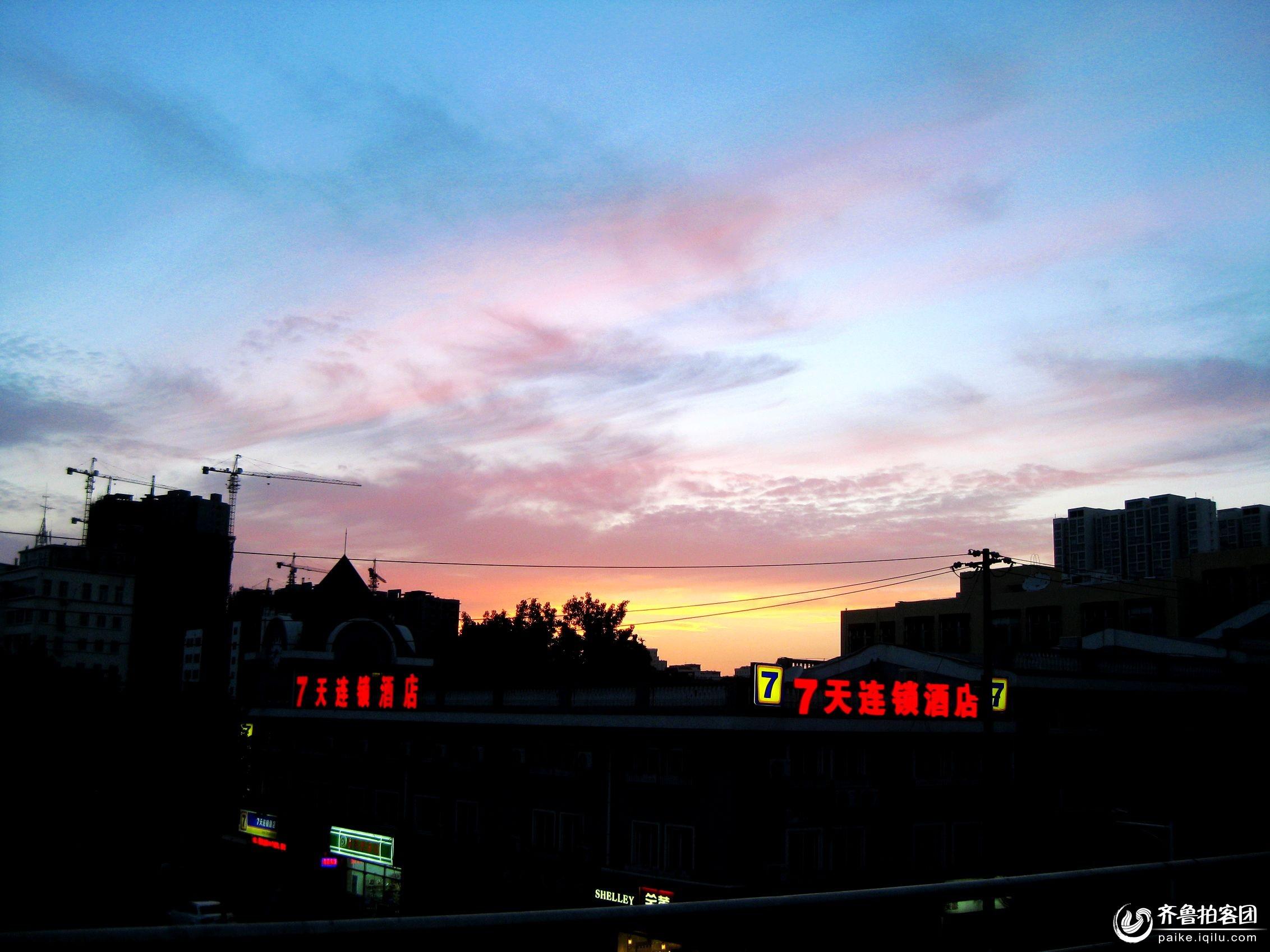 城市傍晚--------晚霞 - 青岛拍客 - 齐鲁社区 - 山东