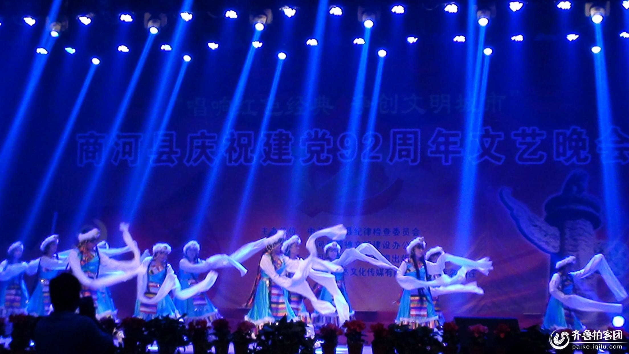 舞蹈-《最美的歌儿献给妈妈》