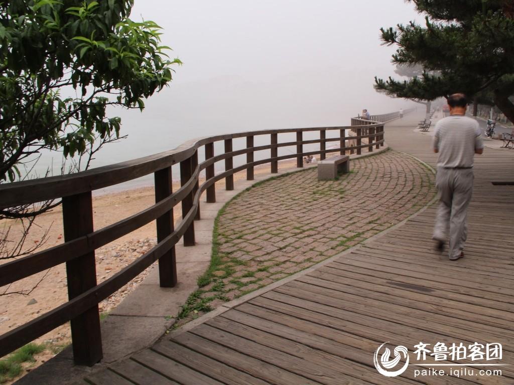 迷雾中的海边 青岛拍客 山东最大的城市生活社区,山东广播电视台官