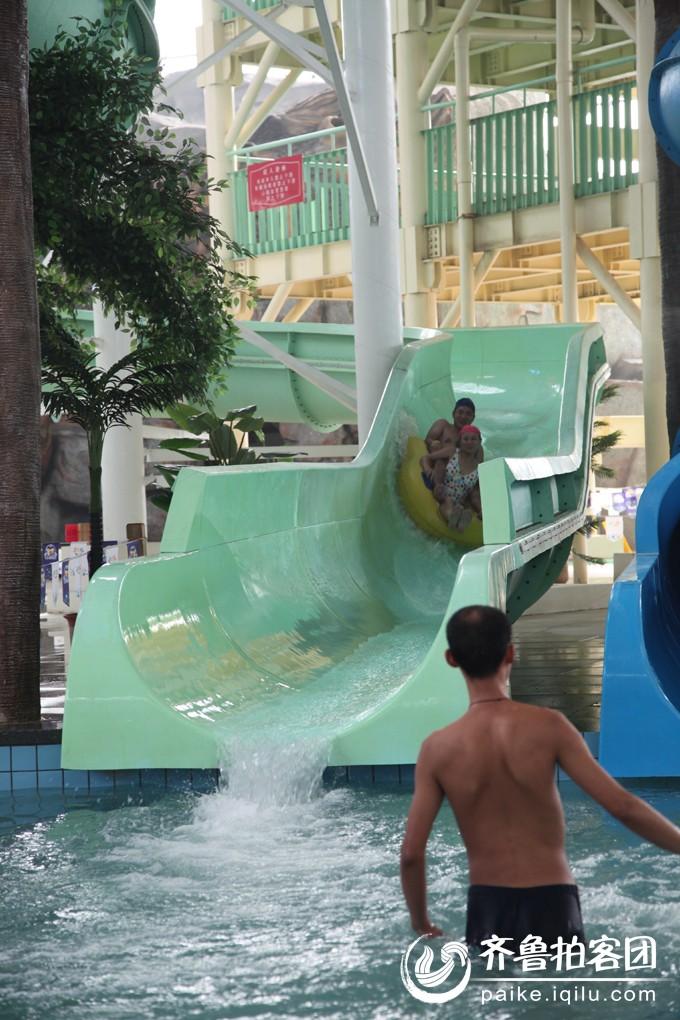 泰安水上乐园是儿童们玩的天地,也是大人们休闲渡夏的好地