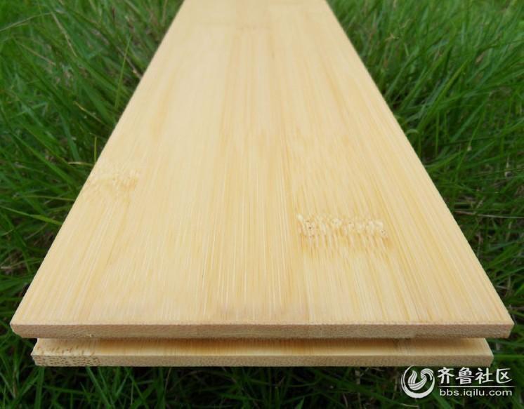 而竹材的纹理在不规则中又有规则的变化