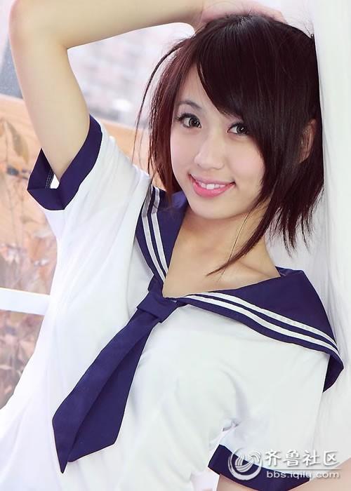 甜美学生妹 Kira制服比基尼