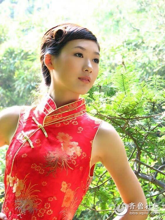 69 穿旗袍的古典美女  分享到:qq空间新浪微博腾讯微博人人网微信qq
