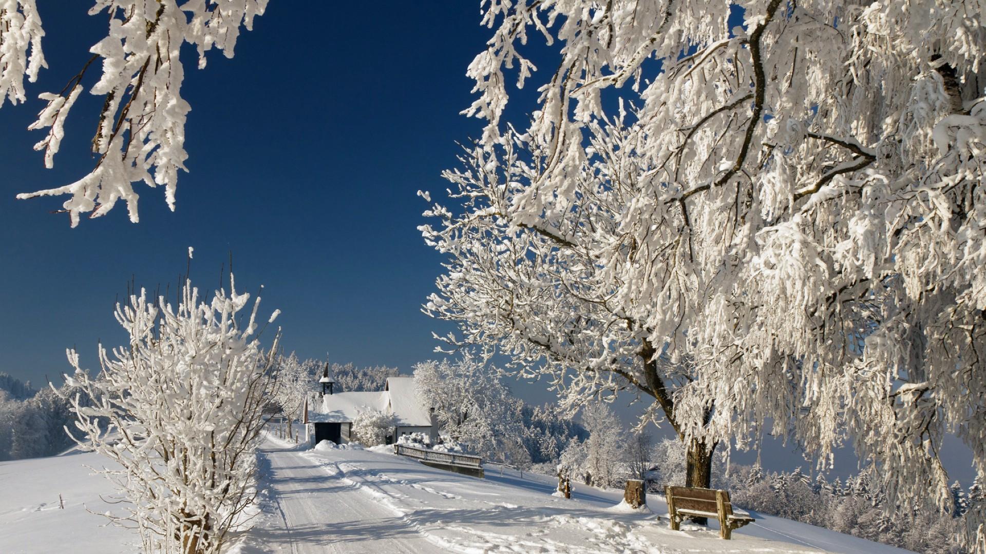 唯美纯洁的雪景桌面高清壁纸