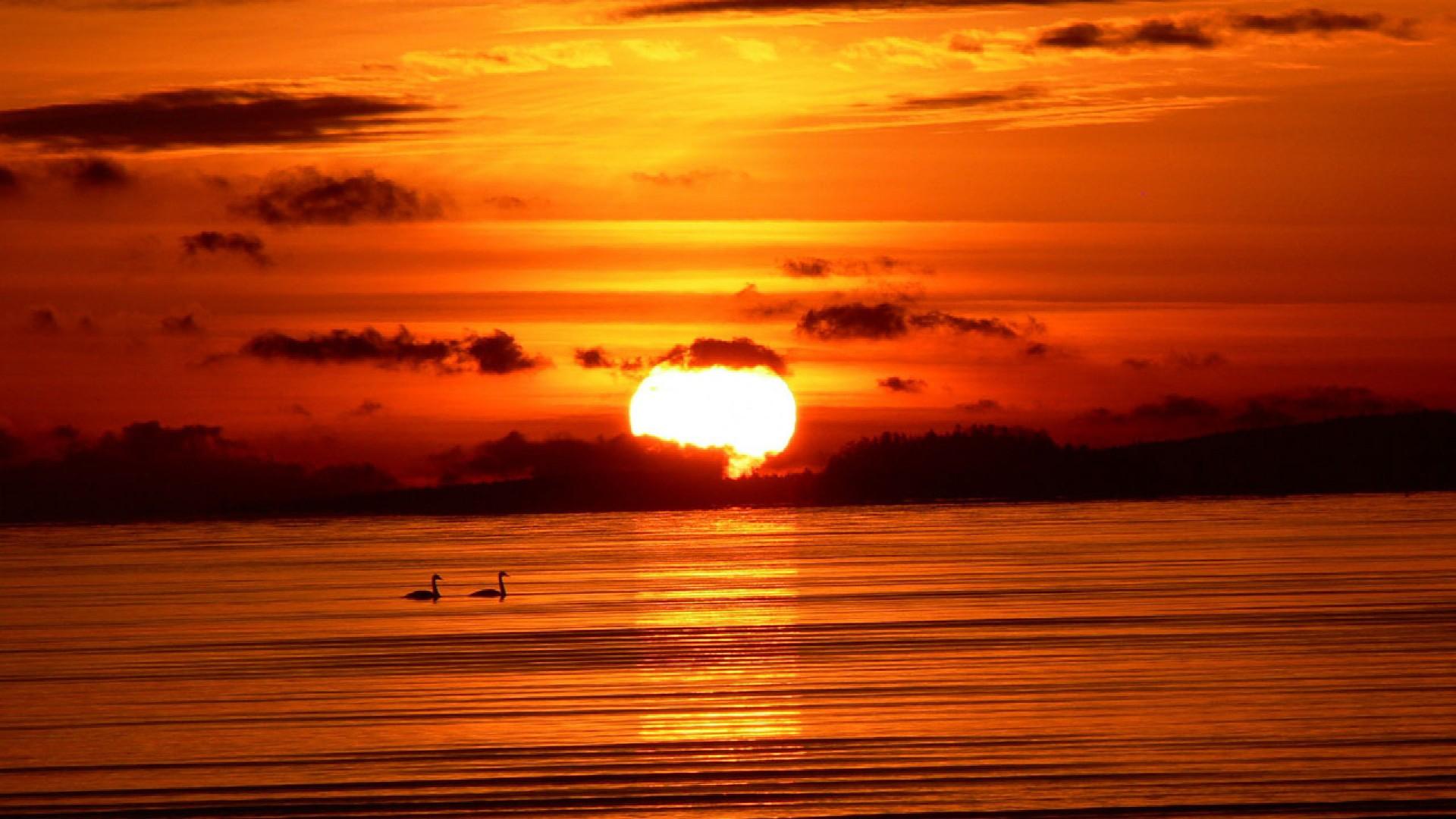 海边日落晚霞高清桌面壁纸