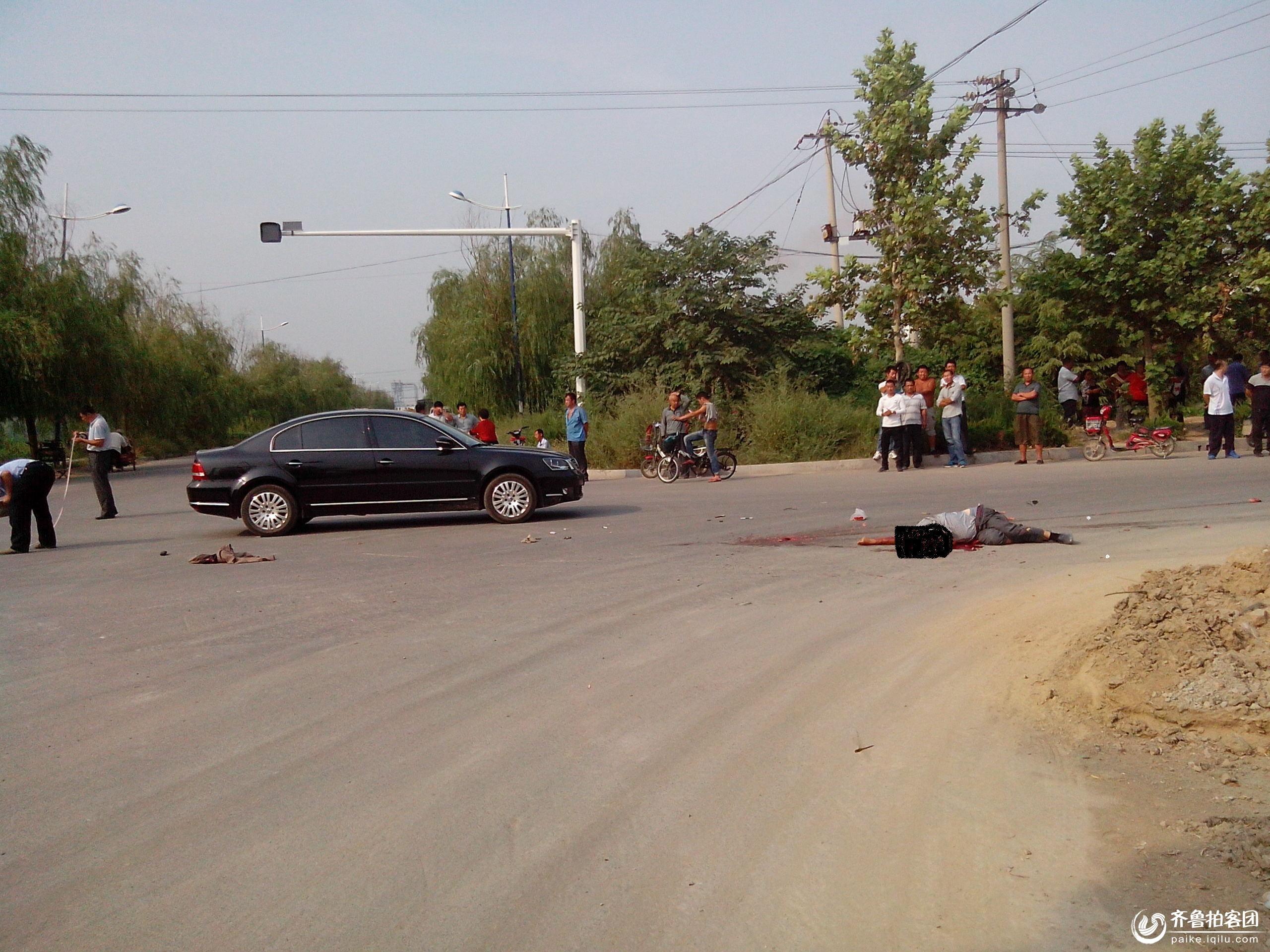禹城德信大街发生重大车祸人员当场死亡