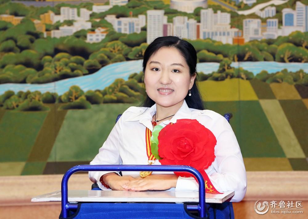 """月在中国书法家协会主办的""""妈祖杯""""全国书法展中入展."""