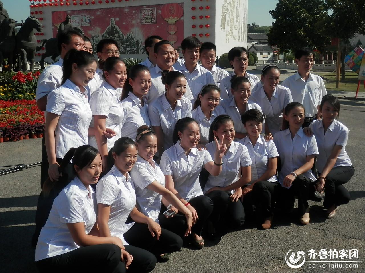 曲阜六艺城内的美女员工