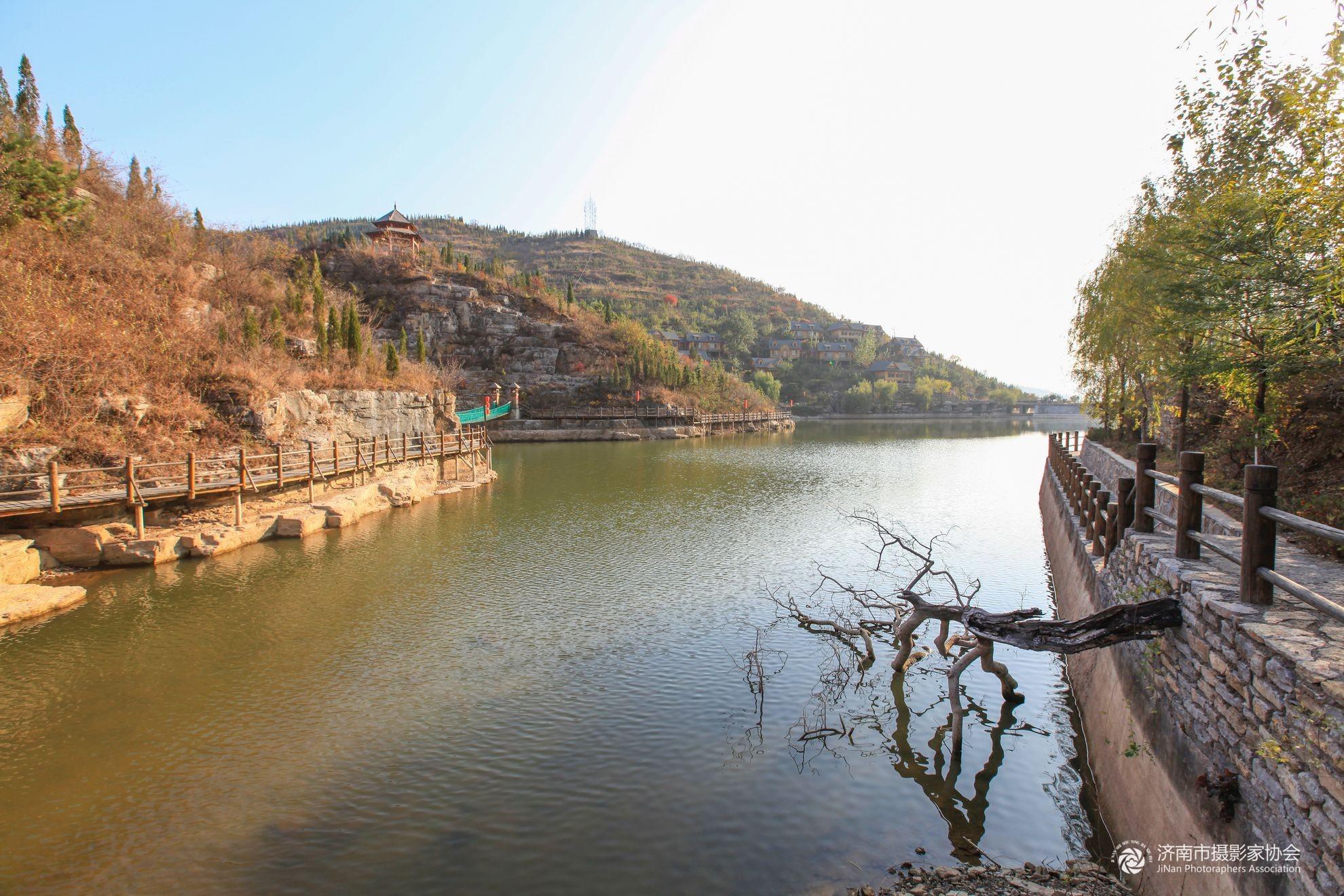 从济南到淄川的峨庄潭溪山风景区怎么坐车?车票多少?