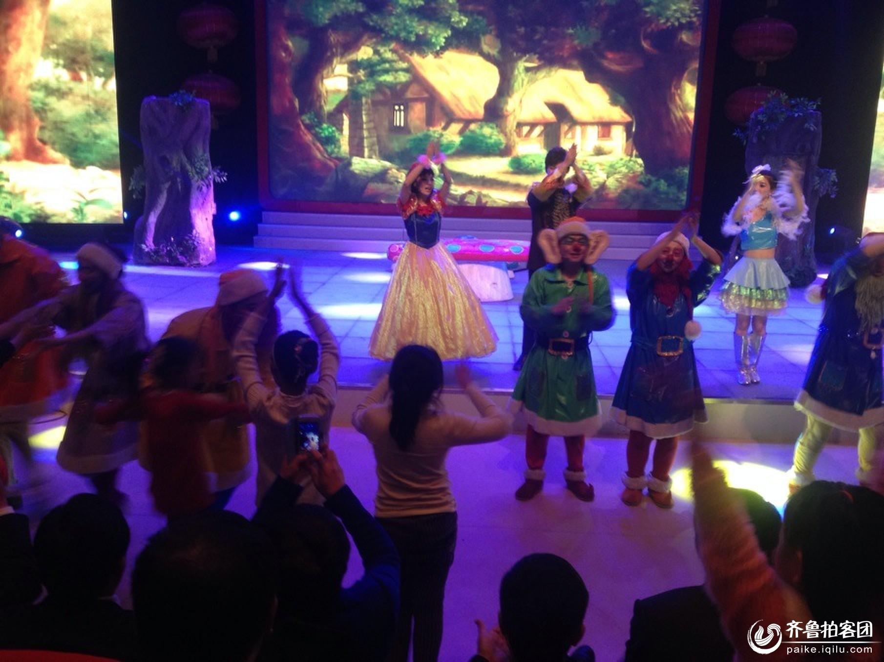 垦利第一次举办儿童话剧白雪公主与7个小矮人