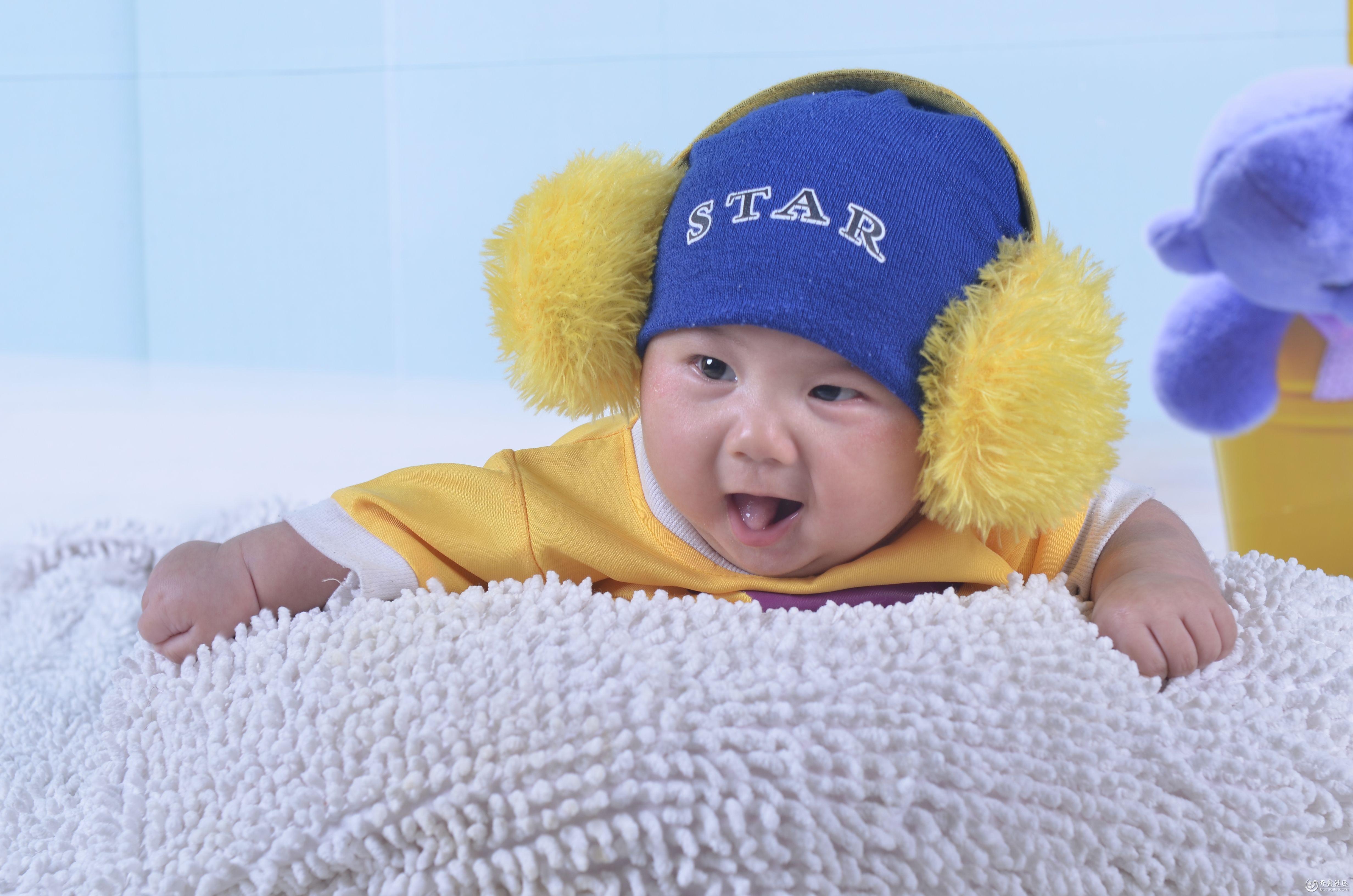 婴儿哭的动态可爱图