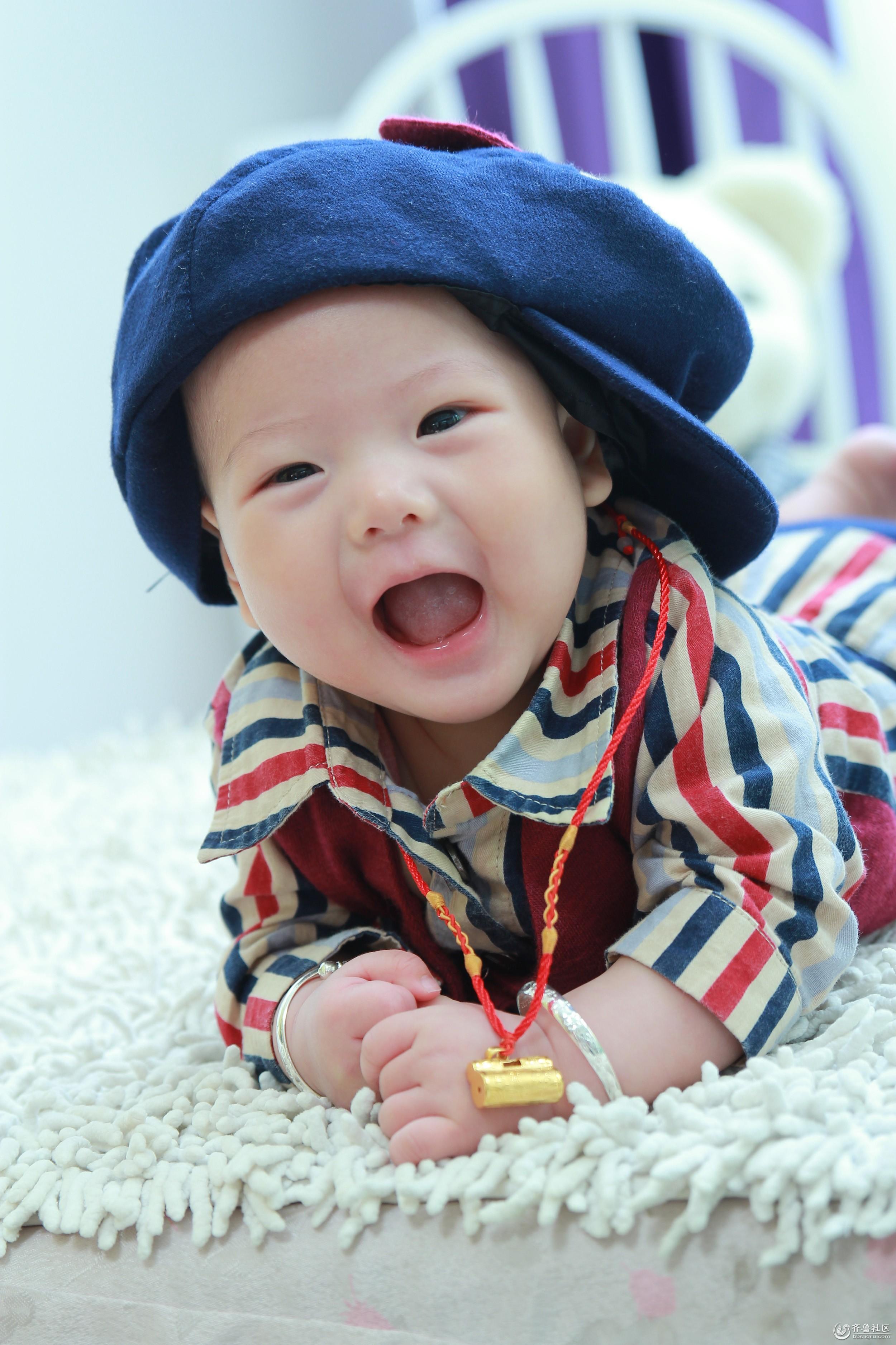 [明星宝宝]四个月可爱小宝宝