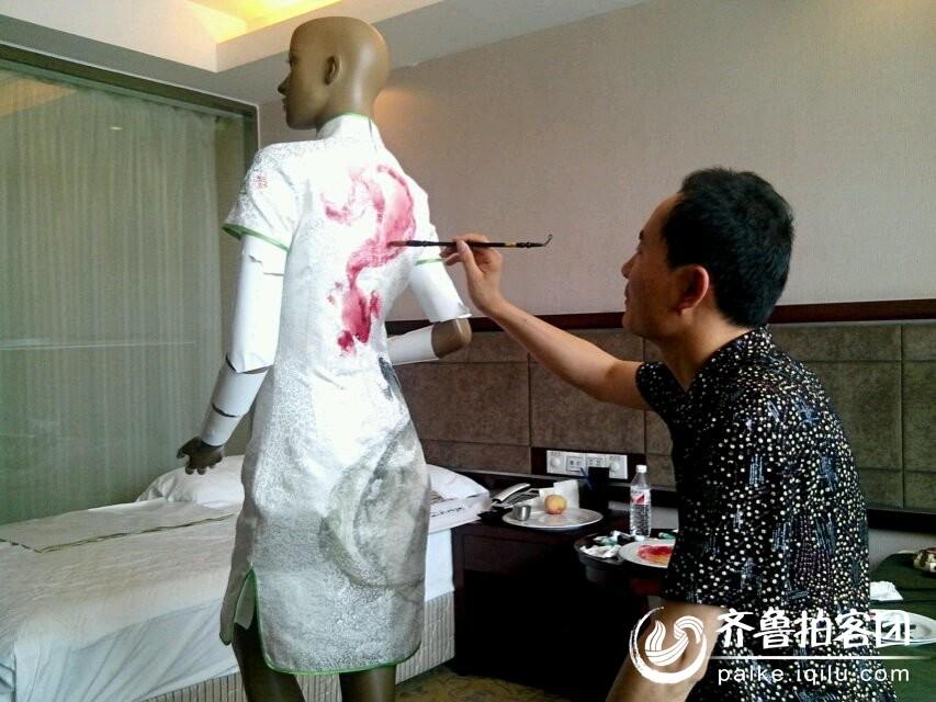 大师手绘模特旗袍