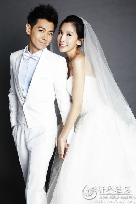 张亮与他的妻子结婚照 张亮与妻子寇静结婚照 张亮与妻子结婚照