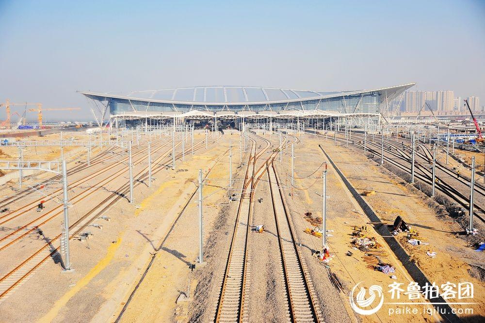 实拍 建设中的青岛火车北站