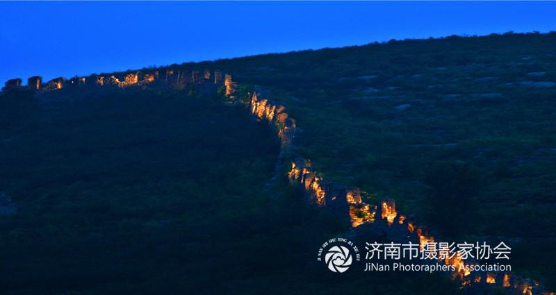 3.齐长城之夜x.jpg