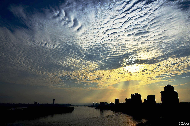 天空  分享到:qq空间新浪微博腾讯微博人人网微信qq