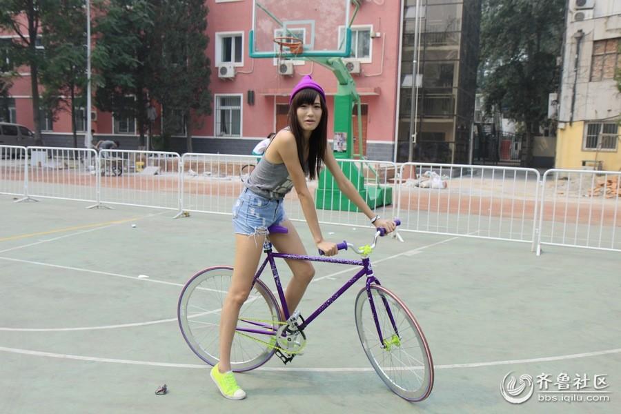 美女与自行车 骑行摄影 齐鲁