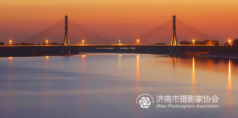济南黄河公路大桥.jpg