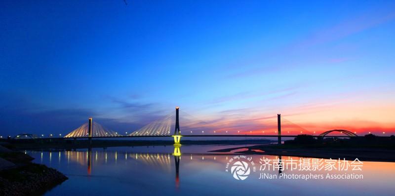 济南黄河建邦大桥之夜.jpg