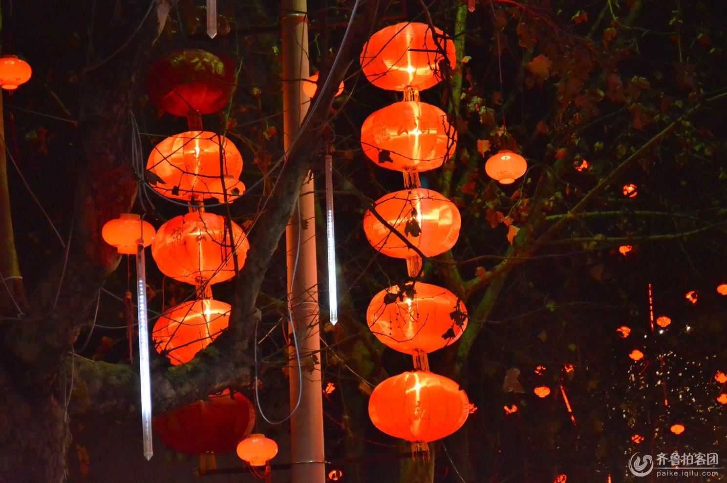 春节习俗-挂灯笼