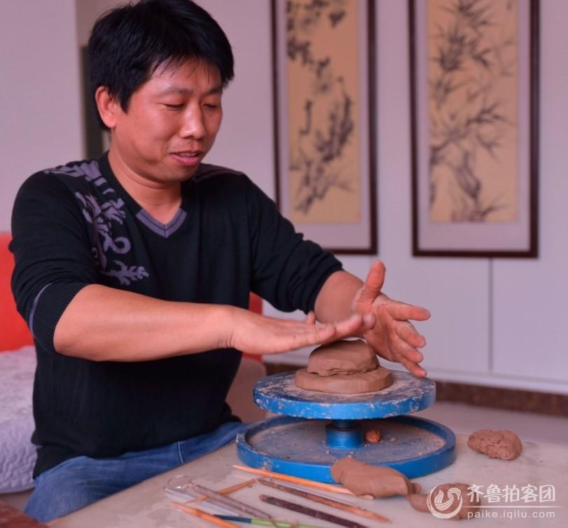 刘昌伟的泥塑制作过程
