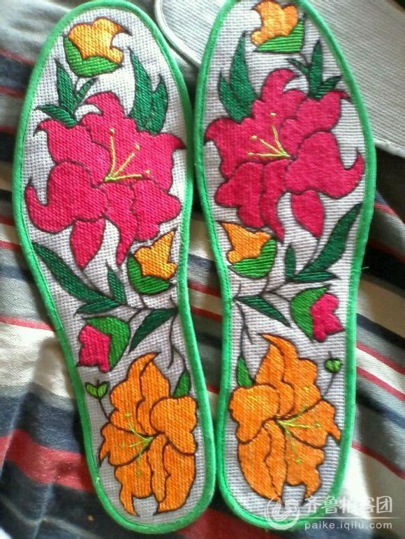 民间工艺纯手工刺绣鞋垫